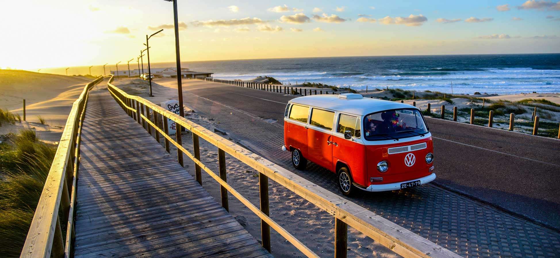 VW Kombi van Tour in Cascais
